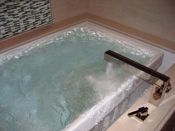Whirlpool Or Air Tub